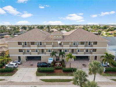 Cape Coral Condo/Townhouse For Sale: 1640 Beach Pky #302