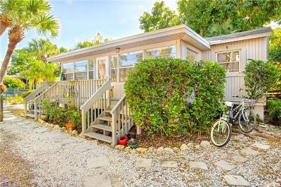 Sanibel Single Family Home For Sale: 724 Donax St