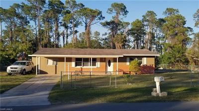 Lehigh Acres Single Family Home For Sale: 1704 W 17th St