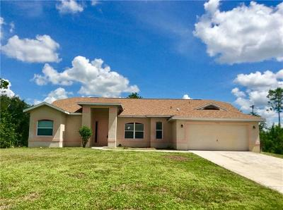 Lehigh Acres Single Family Home For Sale: 1010 Cleveland Ave