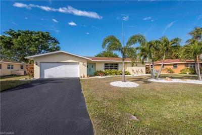 Cape Coral Single Family Home For Sale: 5820 SW 1st Pl