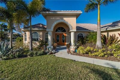 Cape Coral Single Family Home For Sale: 3715 NW 1st Ter