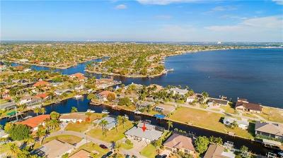 Bonita Springs, Cape Coral, Estero, Fort Myers, Fort Myers Beach, Marco Island, Naples, Sanibel, Captiva Single Family Home For Sale: 5811 SW 1st Pl