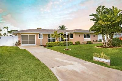 Cape Coral Single Family Home For Sale: 2832 SE 18th Ave