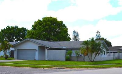 Fort Myers Single Family Home For Sale: 877 Duquesne Dr