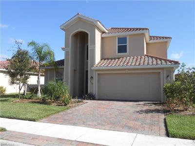 Cape Coral Single Family Home For Sale: 2559 Laurentina Ln