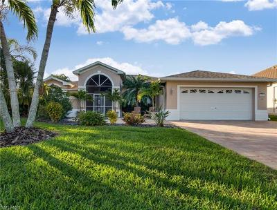 Cape Coral Single Family Home For Sale: 5703 SW 9th Ct