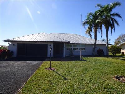 Lehigh Acres Single Family Home For Sale: 200 Gateside St
