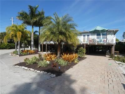 Fort Myers Beach Single Family Home For Sale: 6011 Gulf Rd