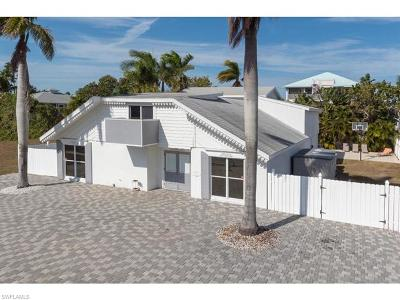Fort Myers Beach Single Family Home For Sale: 8151 Estero Blvd
