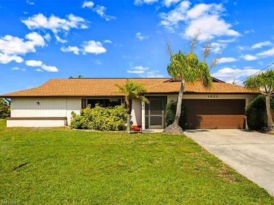 Cape Coral Single Family Home For Sale: 1421 SE 17th St