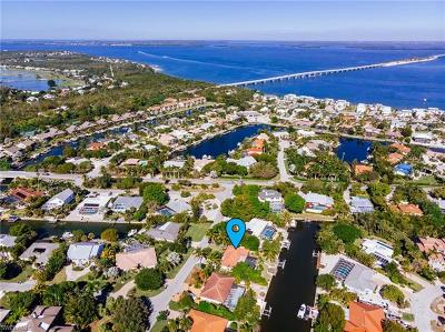 Sanibel Single Family Home For Sale: 1030 Kings Crown Dr