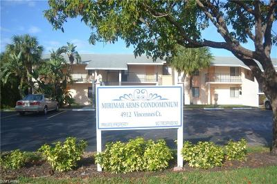 Cape Coral Condo/Townhouse For Sale: 4912 Vincennes Ct #201