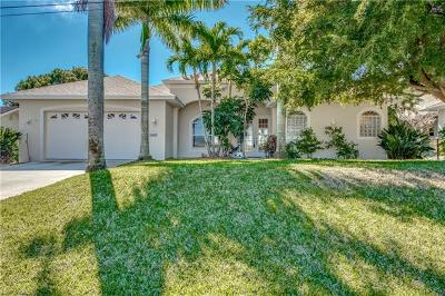 Cape Coral Single Family Home For Sale: 2410 SW 40th Ter