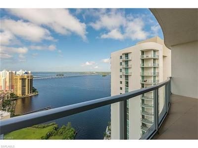 Fort Myers Condo/Townhouse For Sale: 3000 Oasis Grand Blvd #3002