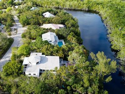 Sanibel Single Family Home For Sale: 2010 Wild Lime Dr