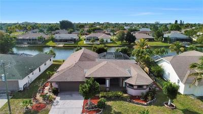 Cape Coral Single Family Home For Sale: 328 SE 21st Ave