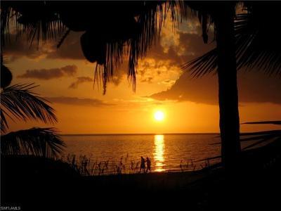 Fort Myers Beach Single Family Home For Sale: 6036/38 Estero Blvd