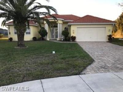 Lehigh Acres Single Family Home For Sale: 18201 Pine Nut Ct