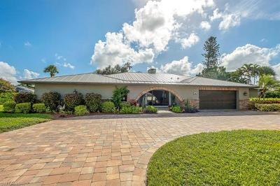 Naples Single Family Home For Sale: 448 Golfview Dr