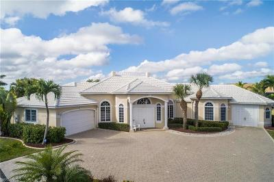Cape Coral Single Family Home For Sale: 4818 Skyline Blvd