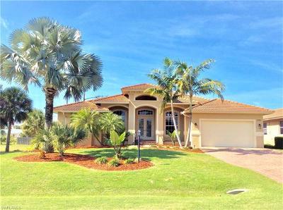 Estero, Bonita Springs Single Family Home For Sale: 27161 Barefoot Ln