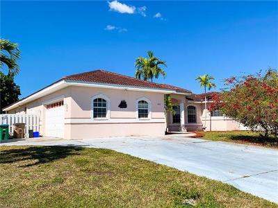 Cape Coral Single Family Home For Sale: 442 SE 13th Ct