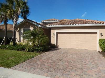 Cape Coral Single Family Home For Sale: 2533 Laurentina Ln