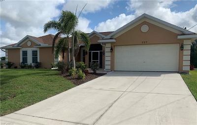 Cape Coral Single Family Home For Sale: 527 NW 7th Pl