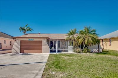 St. James City Single Family Home For Sale: 2355 Banana St