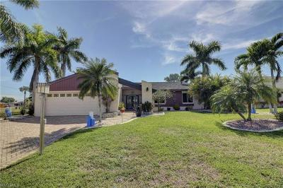 Cape Coral Single Family Home For Sale: 1626 SE 11th Ter