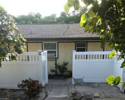 Fort Myers Condo/Townhouse For Sale: 4295 Island Cir #3