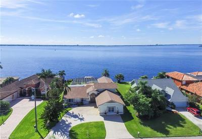 Cape Coral Single Family Home For Sale: 2254 SE 28th St