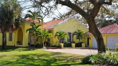 Cape Coral Single Family Home For Sale: 1904 Piccadilly Cir