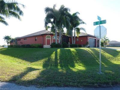 Cape Coral Single Family Home For Sale: 1717 NE 4th Pl
