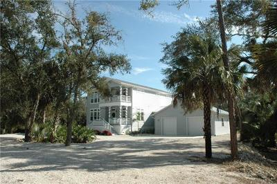 Fort Myers Single Family Home For Sale: 5680 Dana Rd