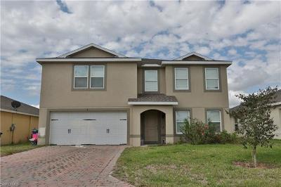 Lehigh Acres Single Family Home For Sale: 10424 Canal Brook Ln