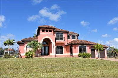 Cape Coral Single Family Home For Sale: 2327 NW 9th Ter