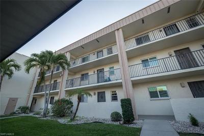 Collier County, Charlotte County, Lee County Condo/Townhouse For Sale: 2111 Barkeley Ln #20