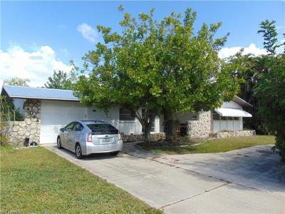 Cape Coral Single Family Home For Sale: 4044 Country Club Blvd