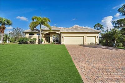 Lehigh Acres Single Family Home For Sale: 514 Canton Ave