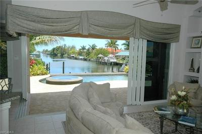 Cape Coral Single Family Home For Sale: 2418 Cape Coral Pky W