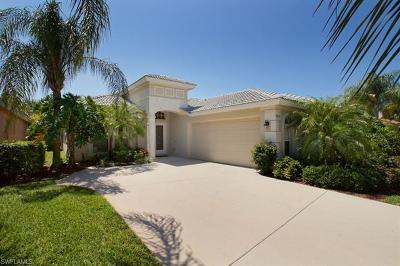 Estero Single Family Home For Sale: 9875 Colonial Walk N