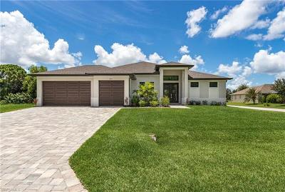 Cape Coral Single Family Home For Sale: 2810 Miracle Pky