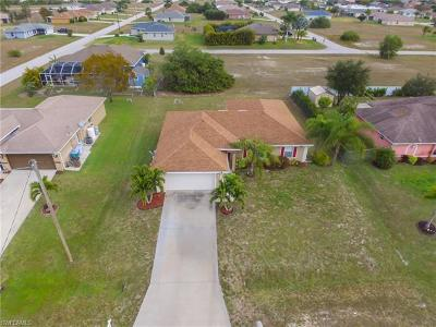 Cape Coral Single Family Home For Sale: 1835 NW 19th Ave