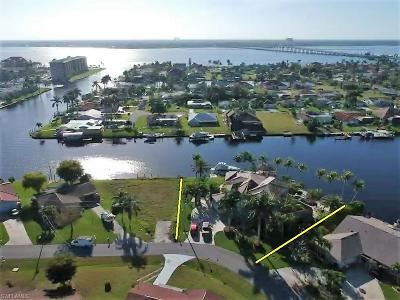 Cape Coral Single Family Home For Sale: 1814 SE 44th St