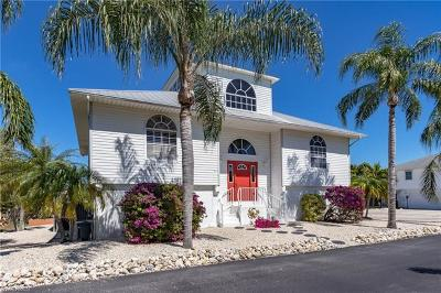 St. James City Single Family Home For Sale: 2920 Buttonwood Key Ct