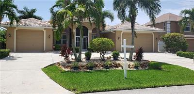 Cape Coral Single Family Home For Sale: 1908 SW 53rd Ln