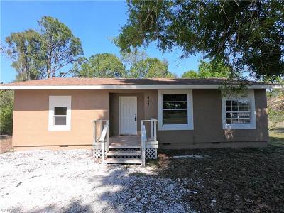 Lehigh Acres Single Family Home For Sale: 957 Pilgrim St E