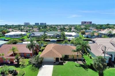 Cape Coral Single Family Home For Sale: 1510 SW 52nd Ln
